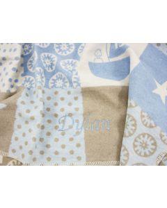 Zachte Babydeken in de kleuren lichtblauw, roomwit en taupe