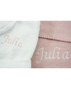 Badjasje 1-2 jaar op katoenen babydeken - wit/roze