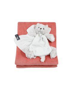 Cat Cathy tuttle en gebreid speendoekje op babydeken