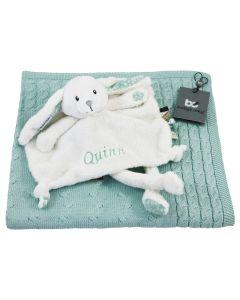Little Dutch knuffeldoekje konijn op gebreide babydeken van Baby's Only