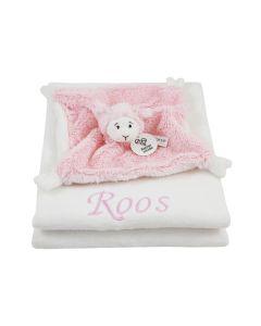 Pink Lammy tuttle op katoenen babydeken