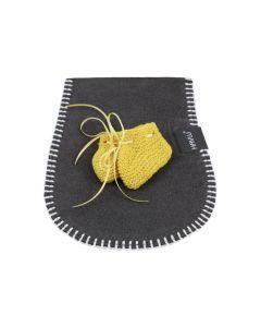 Ergonomiscch spuugdoekjes met babyslofjes, yellow ochre - geen verzendkosten