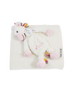 Unicorn Yara tuttle op Meyco Knot babydeken