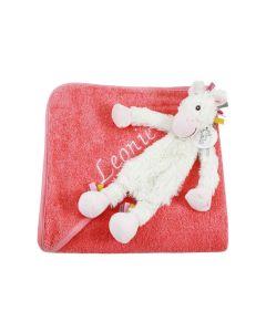 Unicorn Yara Tuttle op badcape, coral pink